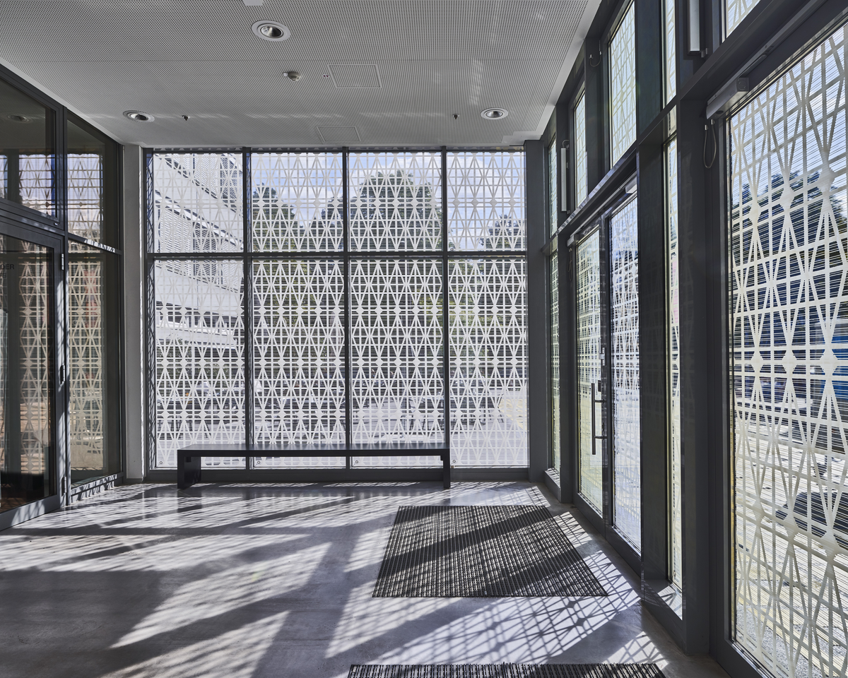 Bettina Pousttchi, Berlin Window