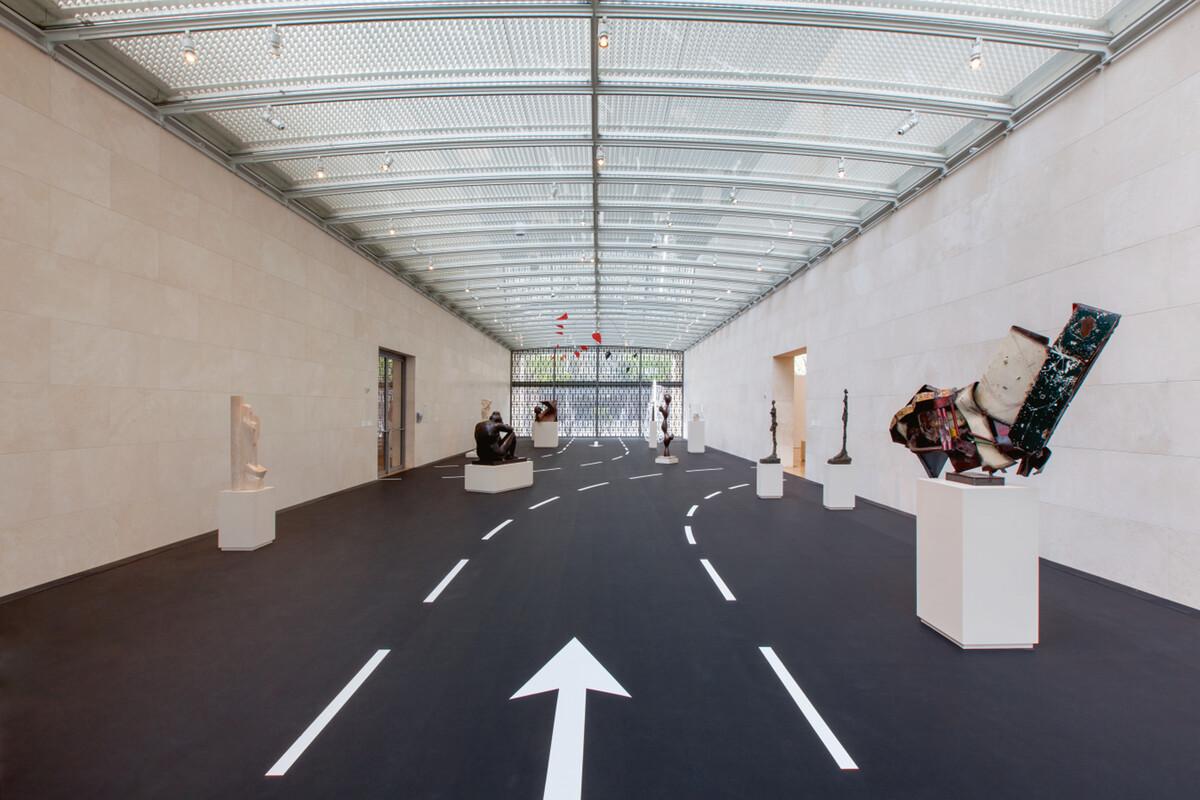 Bettina Pousttchi, Drive Thru Museum, Drive Thru Museum