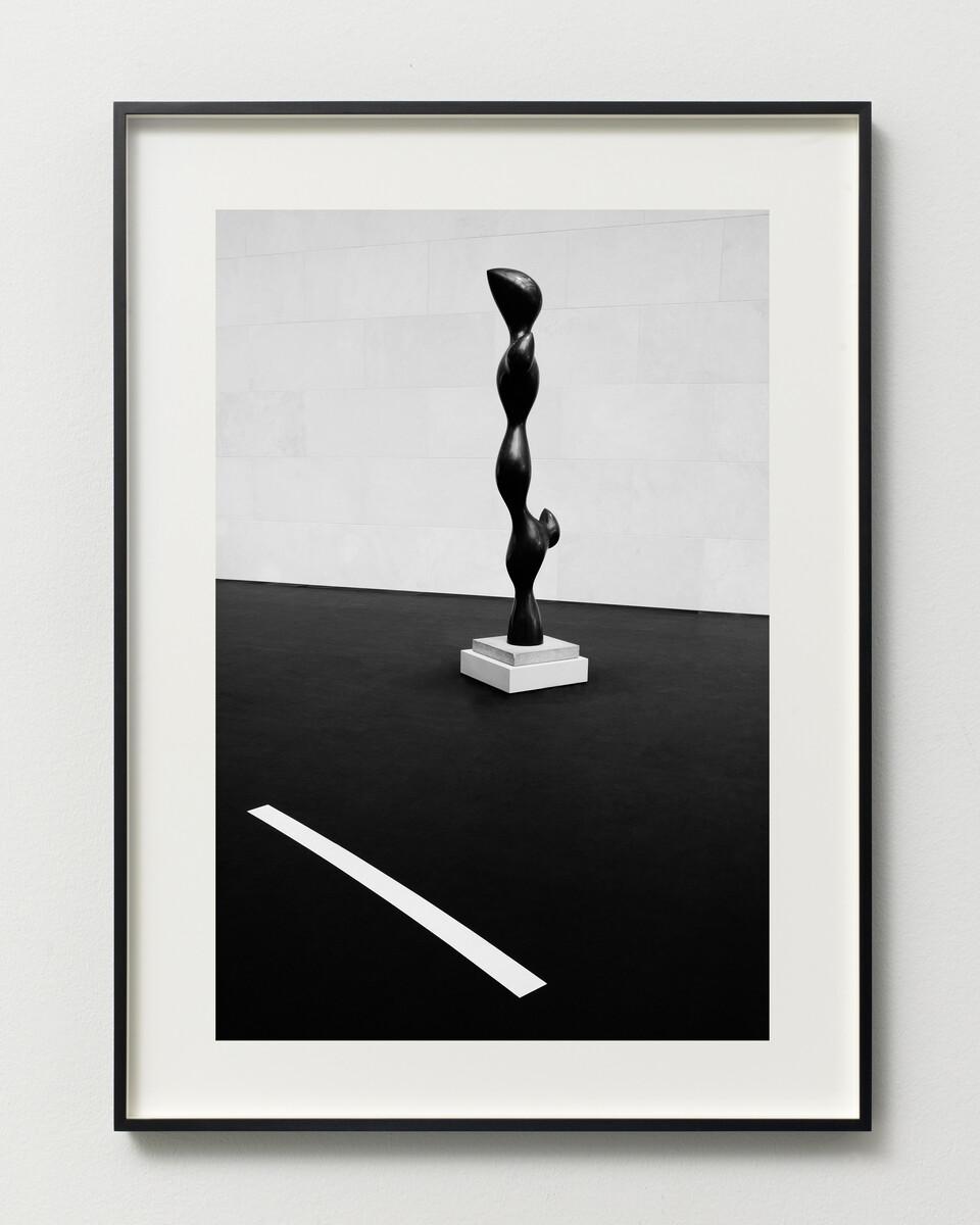 Bettina Pousttchi, Drive Thru Museum, Arp Drive Thru, 2014