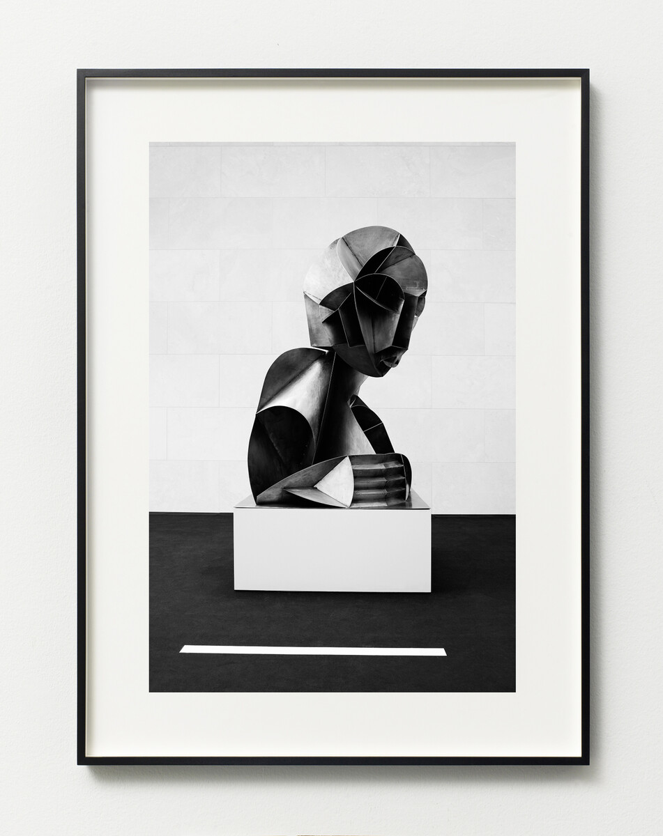 Bettina Pousttchi, Drive Thru Museum, Gabo Drive Thru, 2014