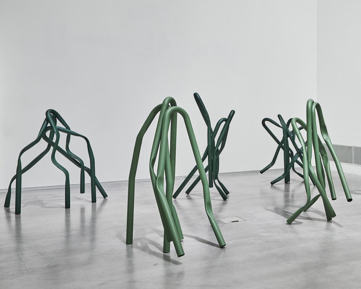 Bettina Pousttchi, Tree Squeezer, Tree Squeezer, 2019